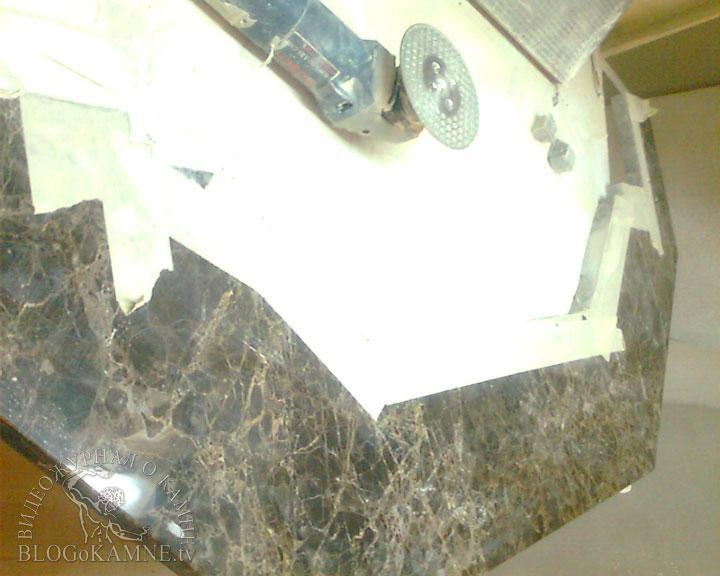 полка для камина из мрамора Emperador Dark
