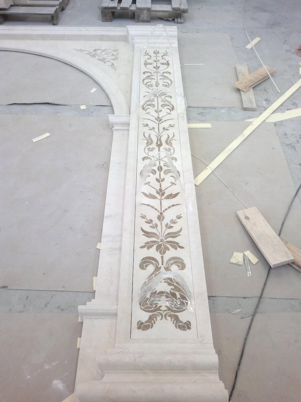 арка из мрамора