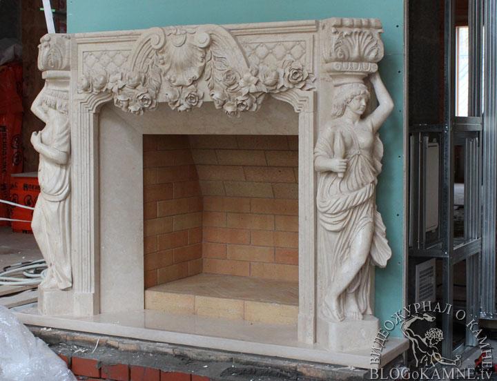 установка мраморного камина