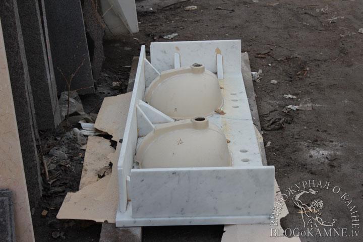 столик из мрамора Carrara