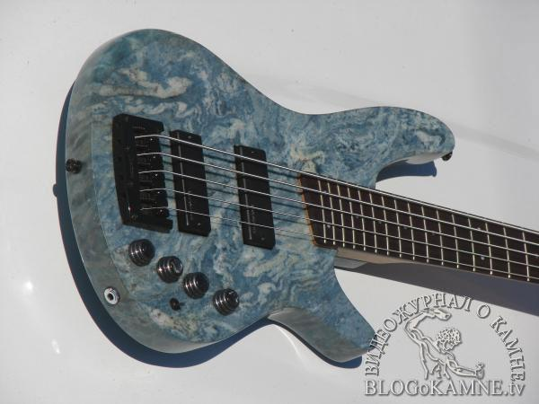 гитара из камня